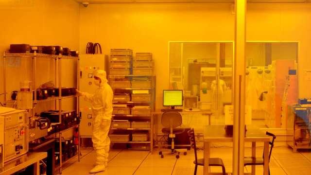 晶片需求爆量 格芯計畫今年注資14億美元擴產 IPO時程有望提前 (圖:AFP)