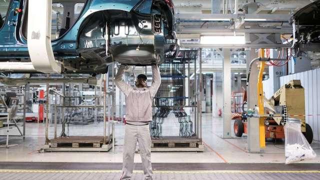 轉型智慧機械 福特六和打造全台第一條彈性車身產線。(圖:AFP)