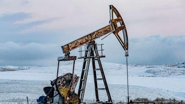 〈能源盤後〉OPEC+可望延續減產 支撐原油上漲 (圖片:AFP)