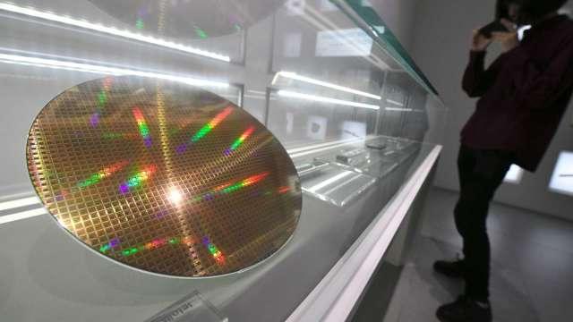 台積電去年每片晶圓營收1634美元 較聯電高出1.42倍。(圖:AFP)