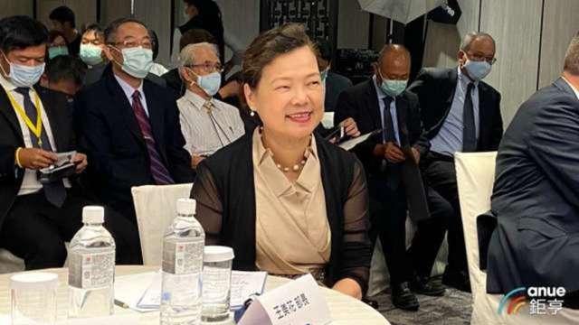 王美花接受美媒專訪:台灣半導體深具競爭力 無懼中國挑戰 (圖:AFP)