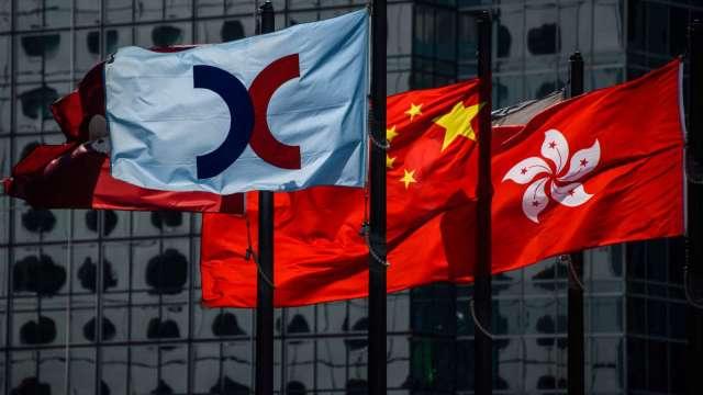 【袁志峰專欄】南向資金缺席,港股震盪向下 (圖片:AFP)