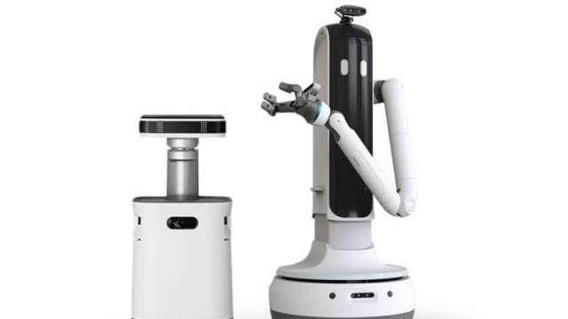 三星推出家事機器人「Bot Handy」內建AI演算法,透過各種感測器,可精準辨識環境與物品外觀形狀與材質種類。(三星提供)