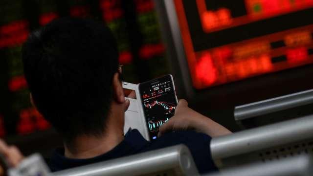 〈焦點股〉油價飆漲、大方配息加持 台聚集團股價量齊揚。(圖:AFP)