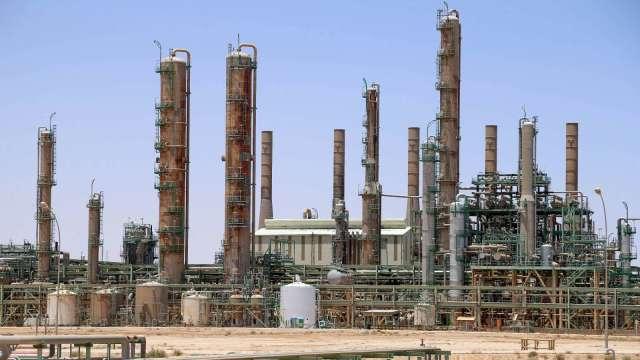 布蘭特原油價格上漲突破70美元 疫情爆發來首見(圖片:AFP)