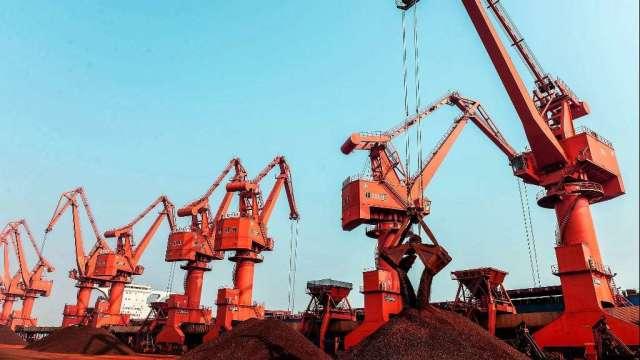 鐵礦砂重回170美元上方 中國1-2月進口量年增2.8% (圖:AFP)