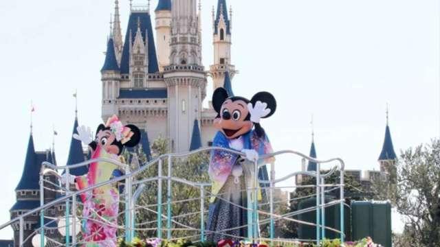 加州放行重啟主題樂園 迪士尼股價大漲逾6%(圖:AFP)