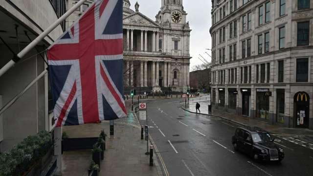 疫情衝擊 英國大學應屆畢業生八人就有一人失業 (圖片:AFP)