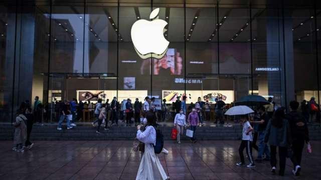 蘋果瀕臨熊市、那指回跌逾10%陷入修正 (圖:AFP)