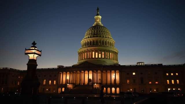 眾院週三表決 1.9 兆美元紓困法案。(圖片:AFP)