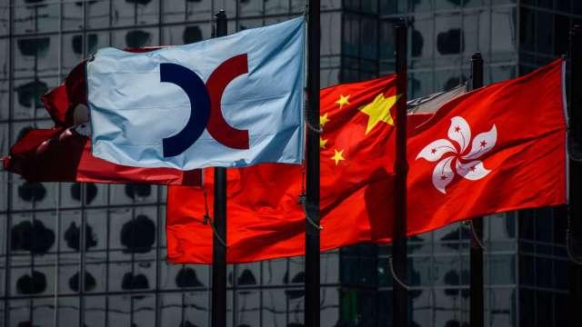【袁志峰專欄】 南向資金撤離,港股難言見底(圖片:AFP)