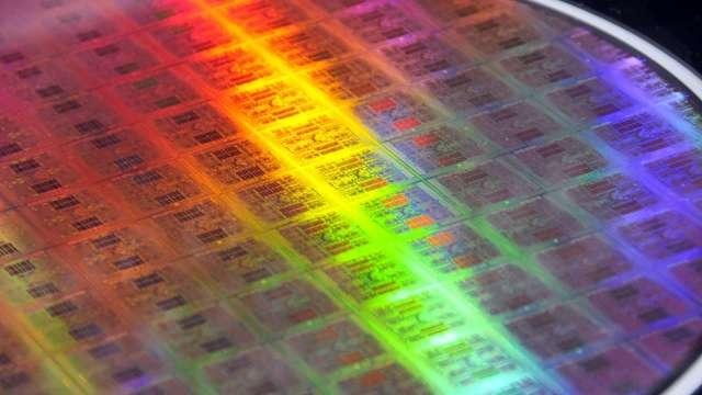 韓媒:控制晶片不足 第二季SSD價格最高恐上漲8% (圖片:AFP)
