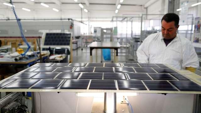 台聚主要產品為太陽能級EVA。(圖:AFP)