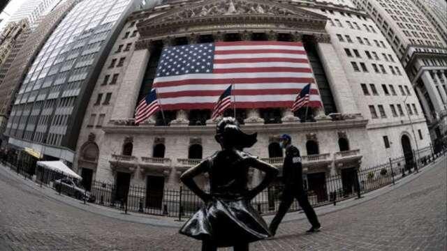 美再發個人支票 小型股率先強勁上漲。(圖:AFP)