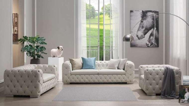 克莉絲朵 - 單人座沙發 (右) 特價 35280 元,原價 63000 元。(圖:科定提供)