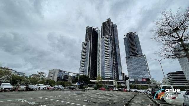 大直豪宅西華富邦36樓由法人戶以總價3.4億元承接。(鉅亨網記者張欽發攝)