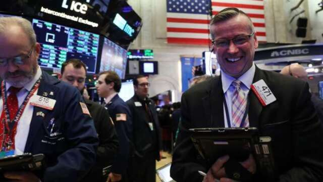 拜登發鈔加持!美股單周淨流入568億美元 高盛:工業、電信股成追捧標的(圖:AFP)