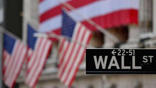 美股期貨下滑 道瓊期貨跌逾百點(圖片:AFP)