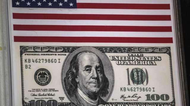 美元指數突破200日均線 兌歐元、日圓料保持強勢 (圖:AFP)