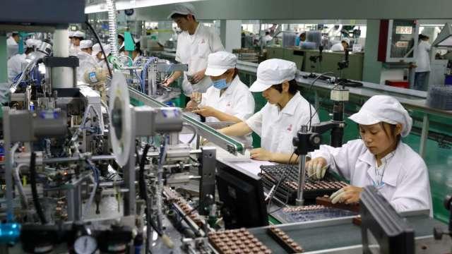 調查:46%青年勞工不曾換工作 現職平均薪資3.2萬元。(圖:AFP)