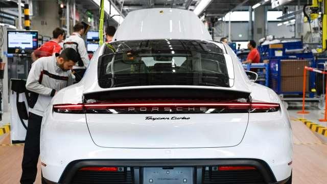 德淵Q2可望取得國際汽車品質相關認證 跨入車載LCD領域。此為示意圖。(圖:AFP)