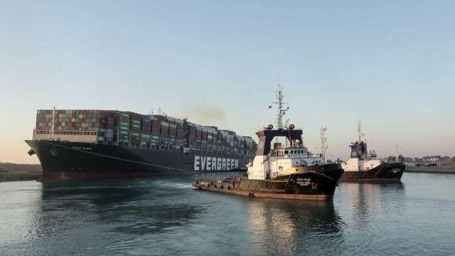 長賜號受困近一周終於脫困!蘇伊士運河將重啟 (圖:AFP)