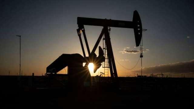 蘇伊士運河堵塞落幕 市場靜待本周OPEC+會議 原油收跌(圖:AFP)