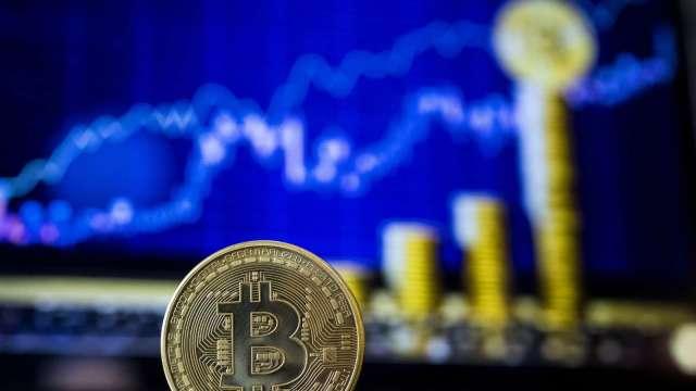 期貨交易員大膽押注比特幣上漲 布局4月底漲上8萬美元(圖:AFP)