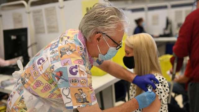 最新輝瑞疫苗數據出爐 有效性降為91% 但能有效抵禦南非變種病毒(圖:AFP)
