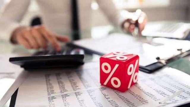 利率飆升的後疫情時代選股要轉向 瞄準價值股、高息債。(圖:shutterstock)