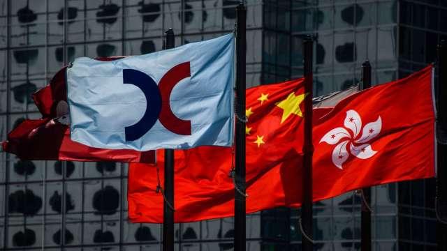 【袁志峰專欄】外圍股市轉強,港股穩中向好 (圖片:AFP)