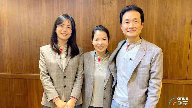 左至右為達亞財務協理周秀育、總經理許雅雯、副總魏鴻文。(鉅亨網記者沈筱禎攝)