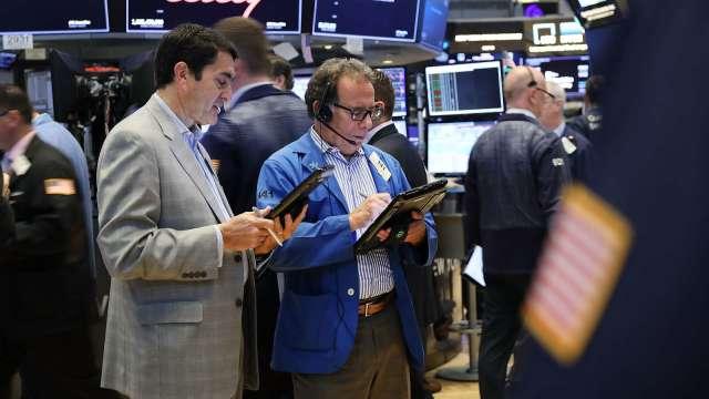 承受不住成長股劇烈波動?美股散戶熱情正在退燒。(圖:AFP)