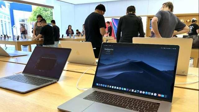 日媒:蘋果因供應短缺問題 延遲部分MacBook和iPad生產(圖:AFP)