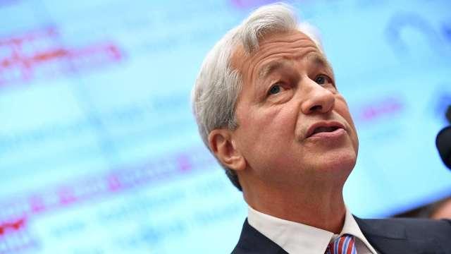 小摩CEO:Fintech、科技巨頭對銀行業構成巨大競爭威脅(圖片:AFP)
