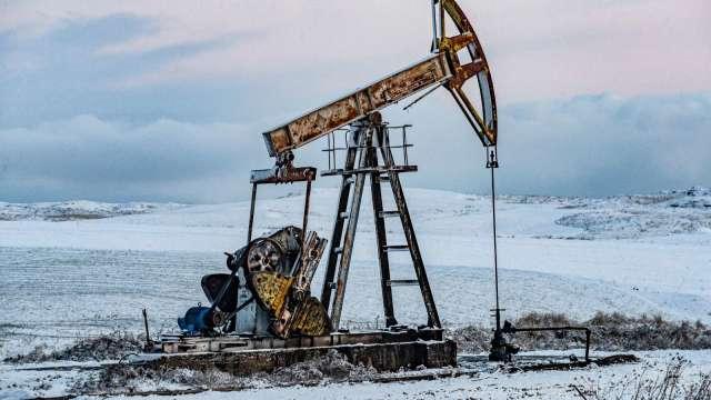 〈能源盤後〉復活節假期需求遭質疑 原油收盤錯綜 WTI仍無法突破60美元 (圖片:AFP)