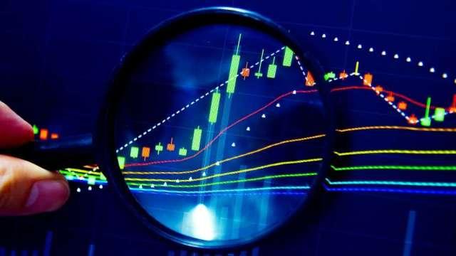 操盤手看台股:資金流向決定選股方向!電動車、生技吸金。(圖:shutterstock)