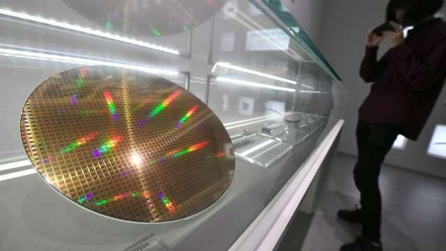 〈新疆再遭制裁〉非中國區多晶矽受囑 達能長約護體有優勢。(圖:AFP)