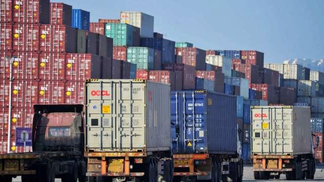 中國第一季出口年增39%、進口年增19%、順差擴大近七倍(圖片:AFP)