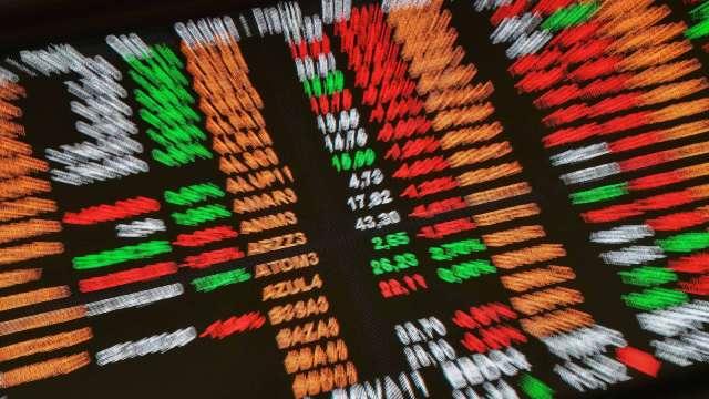 〈世芯法說〉全體股民連吞三根跌停 公司:不排除祭出庫藏股。(圖:AFP)