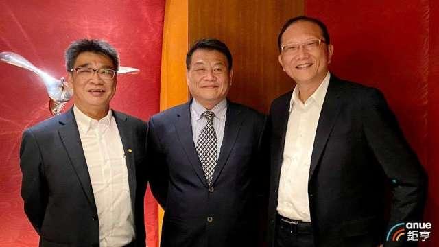 左至右為崇友發言人林鴻鵬、總經理游本立及副總鄭宏謀。(鉅亨網記者沈筱禎攝)