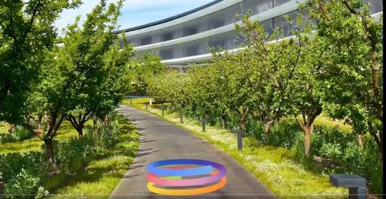 多彩線條組成的圓圖形似蘋果傳聞已久的藍牙追蹤器 AirTag (圖片:全球行銷副總 Greg Joswiak 推特)