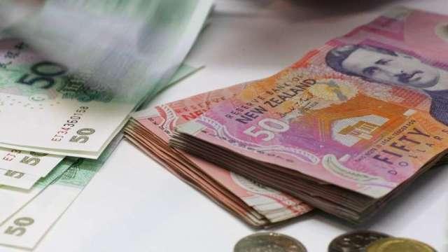 紐西蘭央行維持寬鬆政策不變 紐元兌美元強漲(圖:AFP)