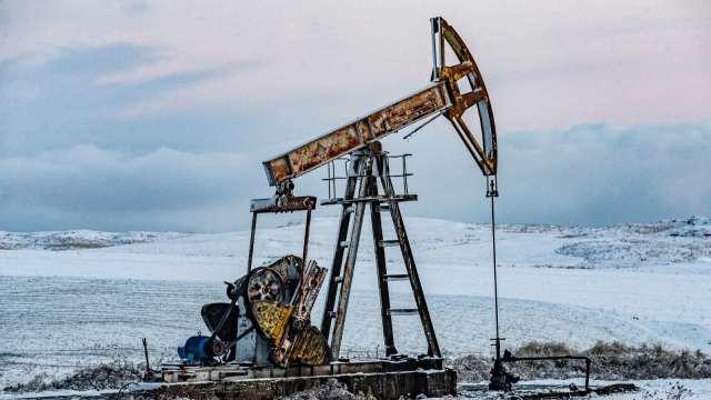 〈能源盤後〉IEA調升需求前景 美庫存連3週下降 油價登4週高點 (圖片:AFP)