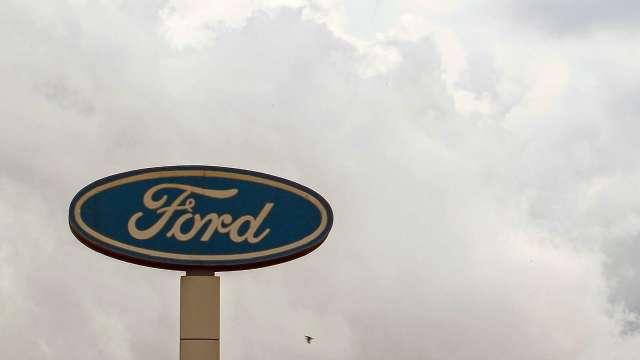 全球晶片短缺持續 福特汽車公布新一輪減產計劃(圖片:AFP)