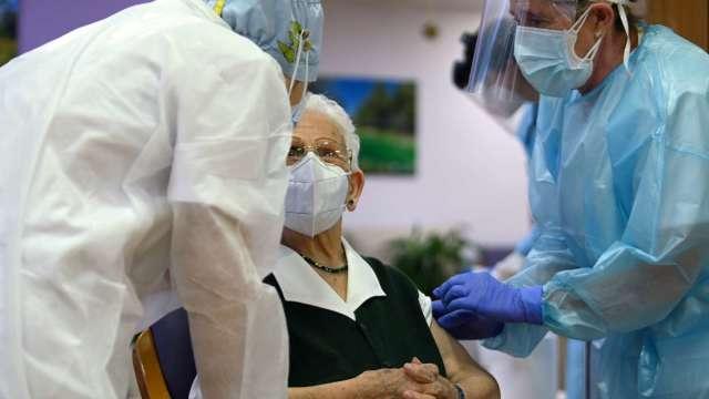 牛津研究:輝瑞、Moderna、AZ疫苗都有「罕見血栓」副作用