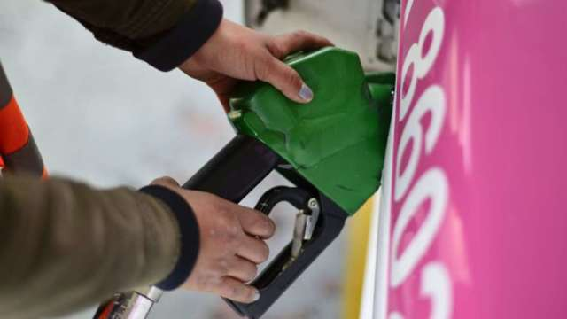 電動車可望加速普及 高盛:運輸用石油需求五年後觸頂 (圖:AFP)