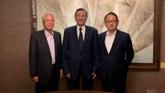 左起為寶佳集團創辦人林陳海、東元集團會長黃茂雄、華新麗華董事長焦佑倫。(圖:東元提供)