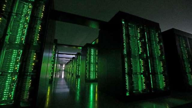 集邦:GCP、AWS今年伺服器建置年增上看30% 推動全球需求。(圖:AFP)