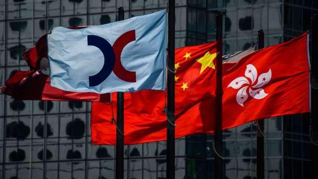 【袁志峰專欄】南向資金湧入,港股短線向好 (圖片:AFP)